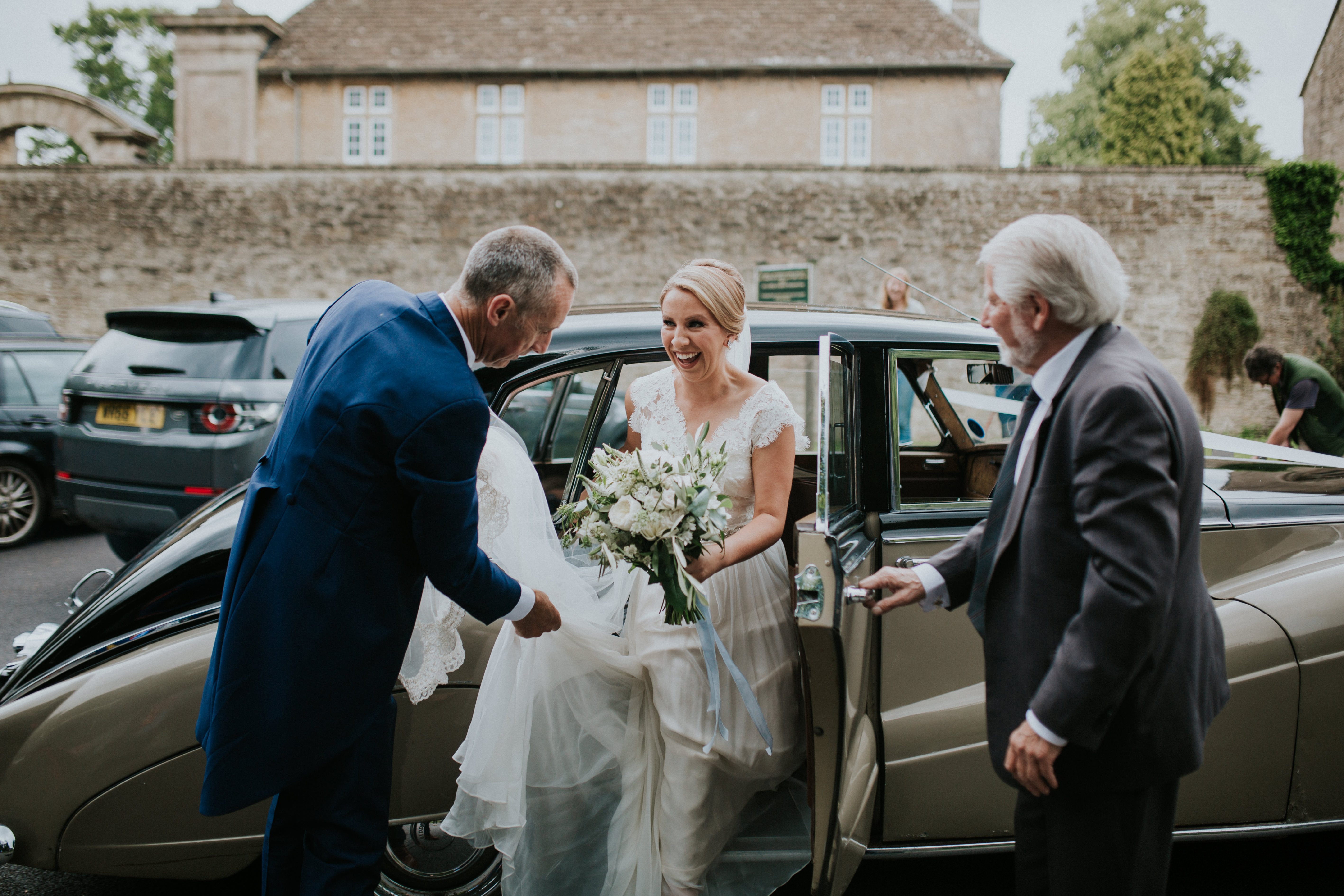 bride leaving car
