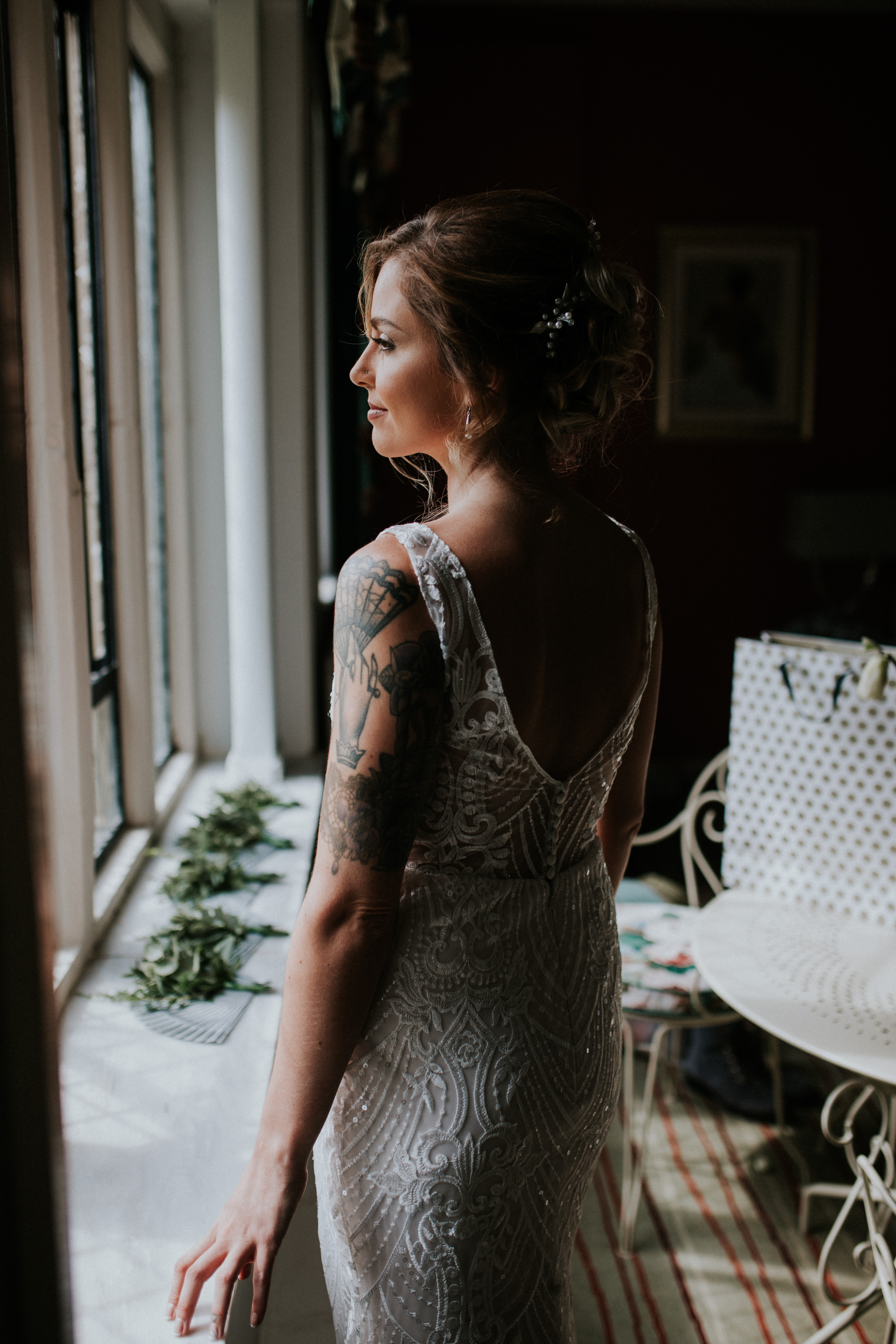 doing up brides Dress