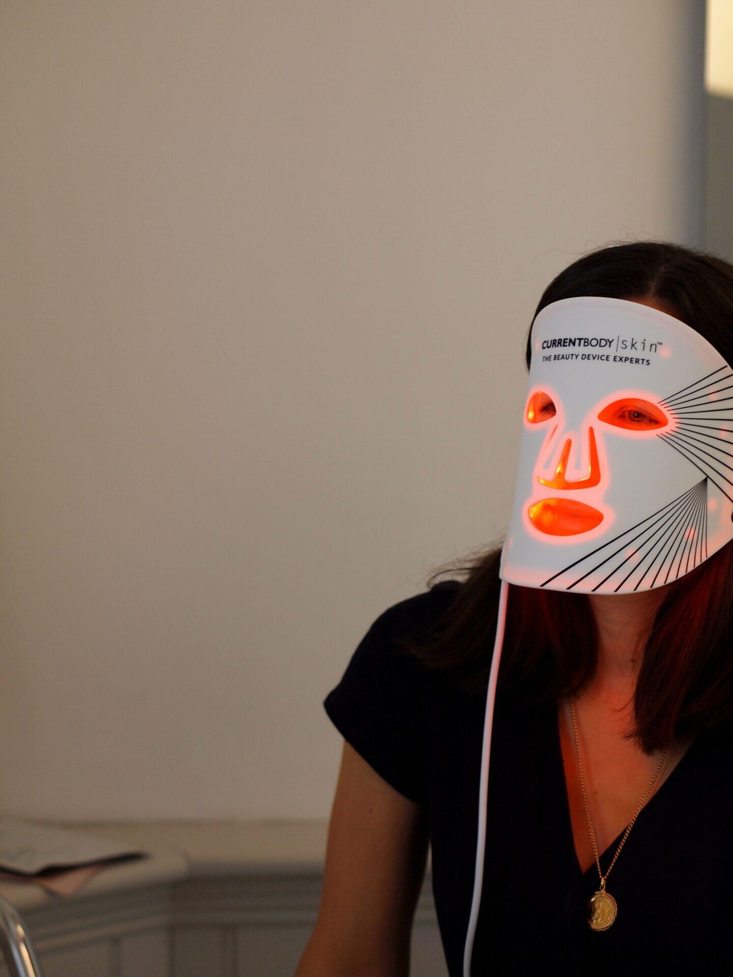 current body light therapy mask