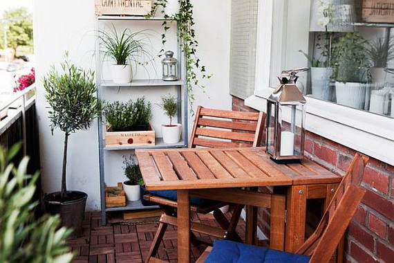 Amazingly-Pretty-Decorating-Ideas-for-Tiny-Balcony-Space