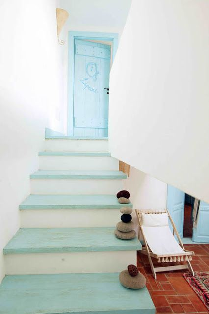 Awesome-Staircases-For-Beach-Home-Designs