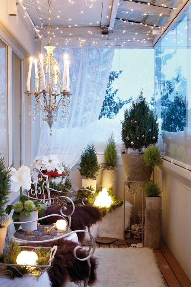Cool Christmas Balcony Décor Ideas