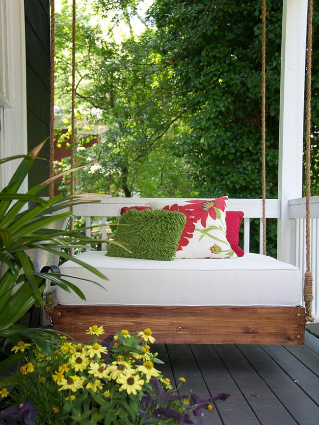 Cozy-Balcony-Decorating-Ideas2