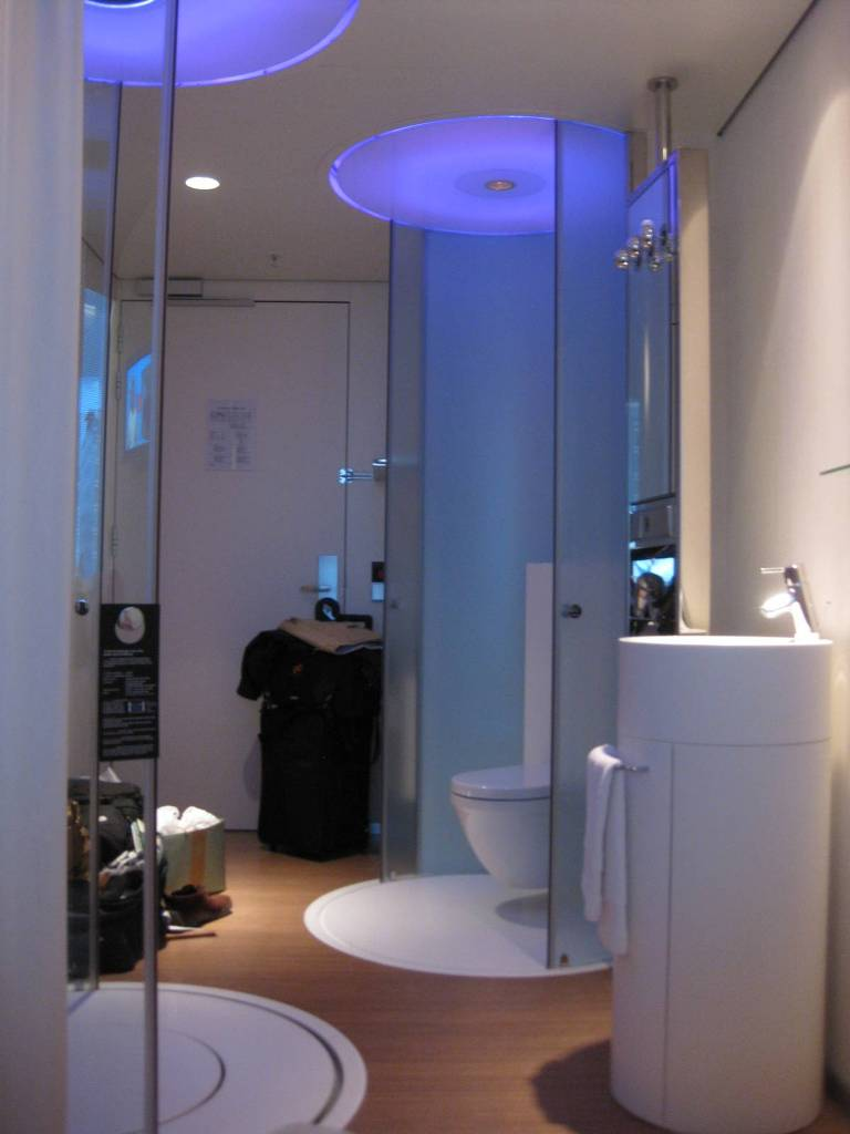 Renovate-Your-Small-Bathroom-Design-For-Roomier-Space