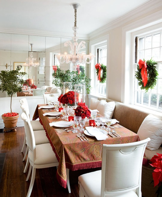 beacon-hill-christmas-dining-room-table