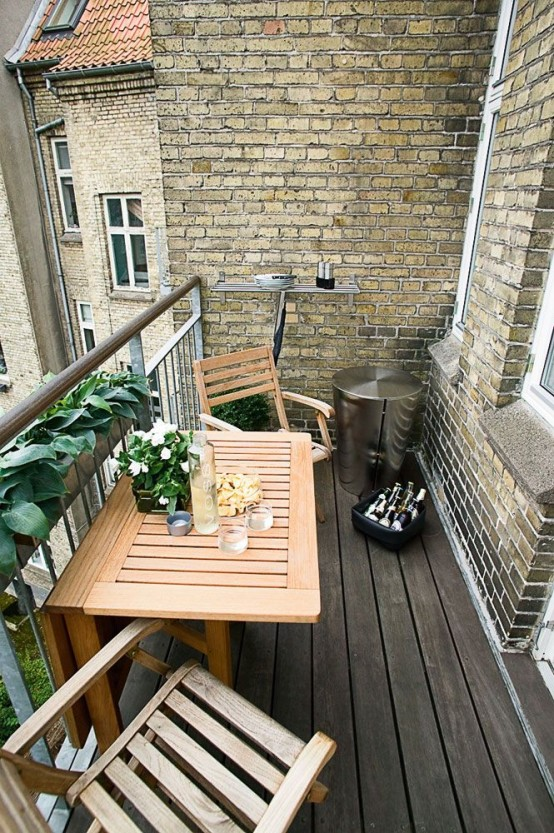 small-balcony-design-idea