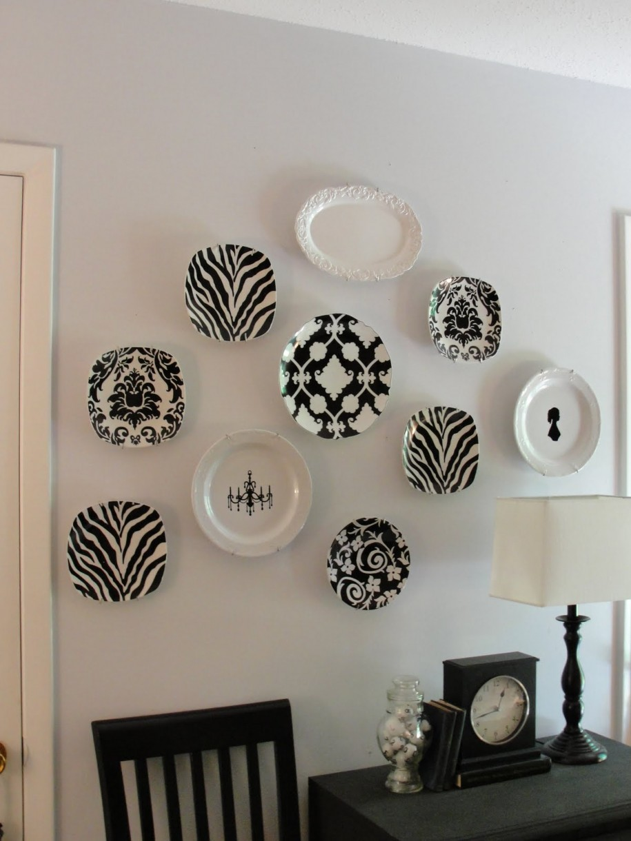 Decorating with Wall Plates