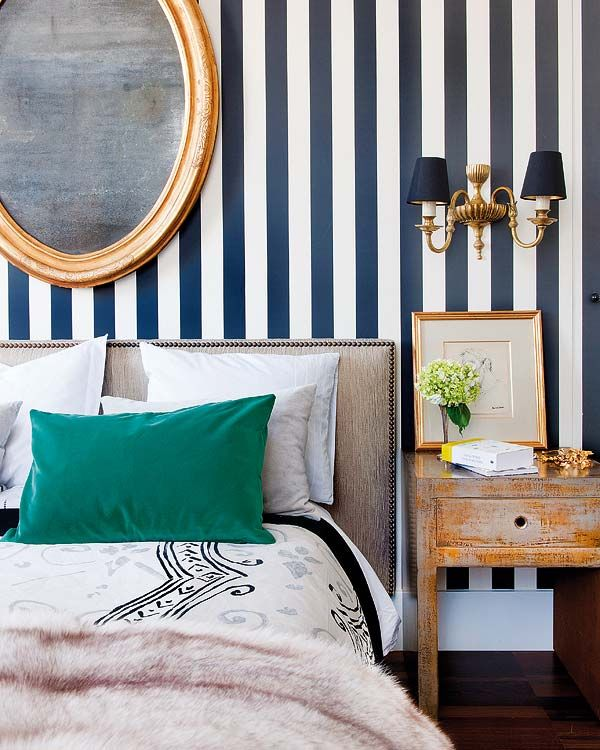 awesome-striped-walpaper-for-bedroom-with-wall-lighting-plus-wooden-table-beside-white-bed-and-green-also-white-pillows-design-idea