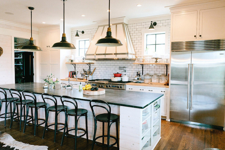black-benwtood-barstools-island-with-end-shelves-white-kitchen-hood