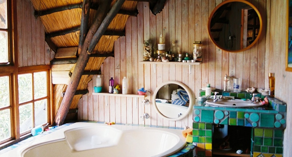 bohemian-bathroom