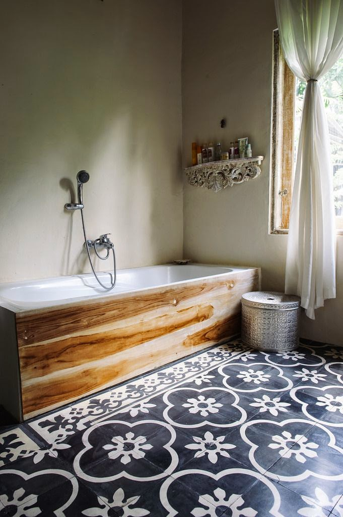 boho relaxing bathroom