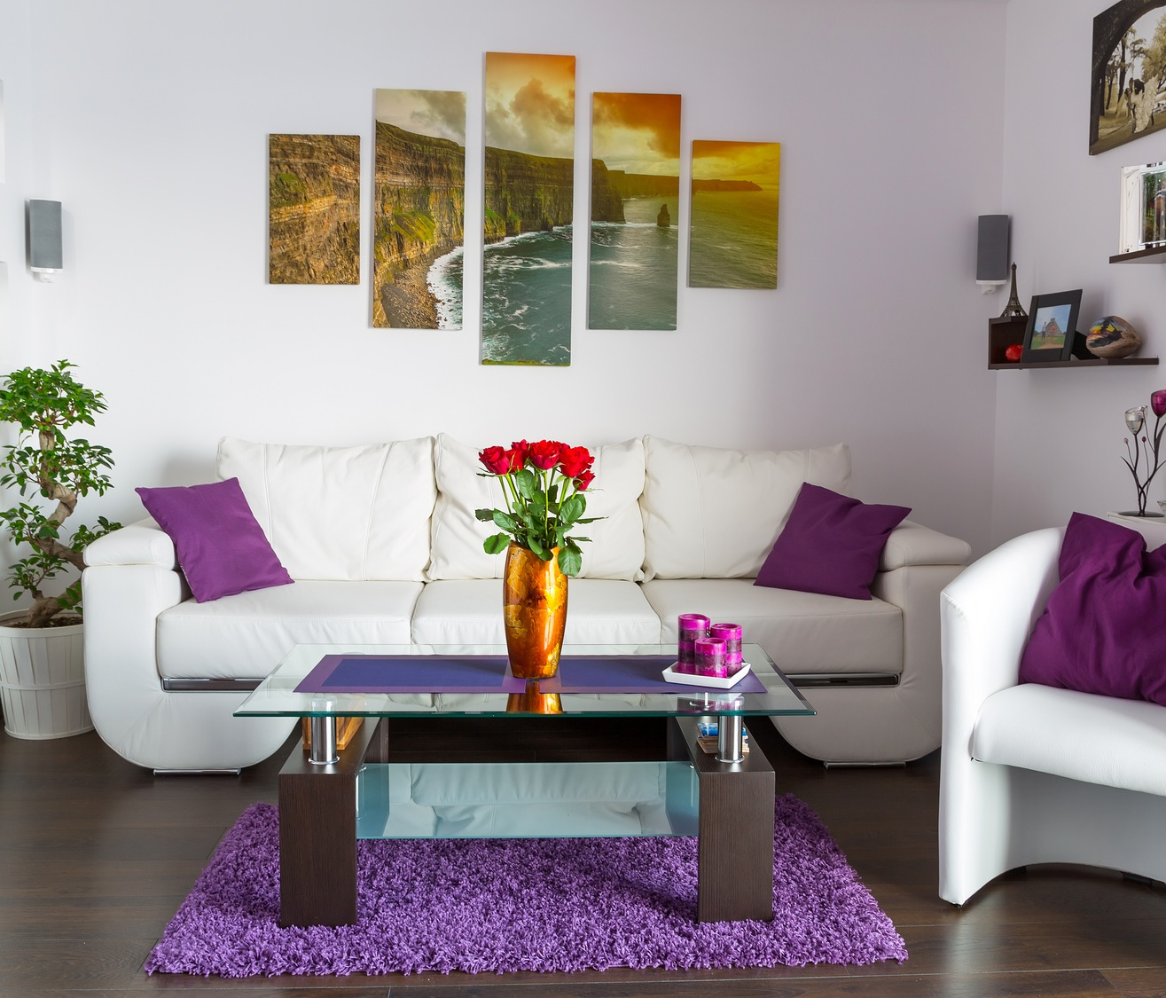 Modern-living-room-interior-with-canvas-print-art-on-the-wall