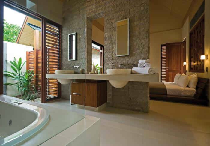 Romantic Bedrooms With Attached Open Bath