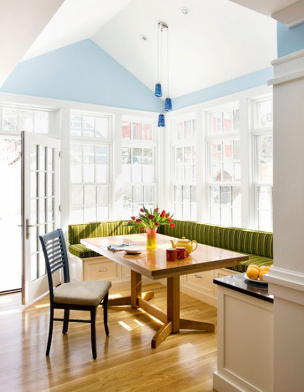 green-breakfast-nook