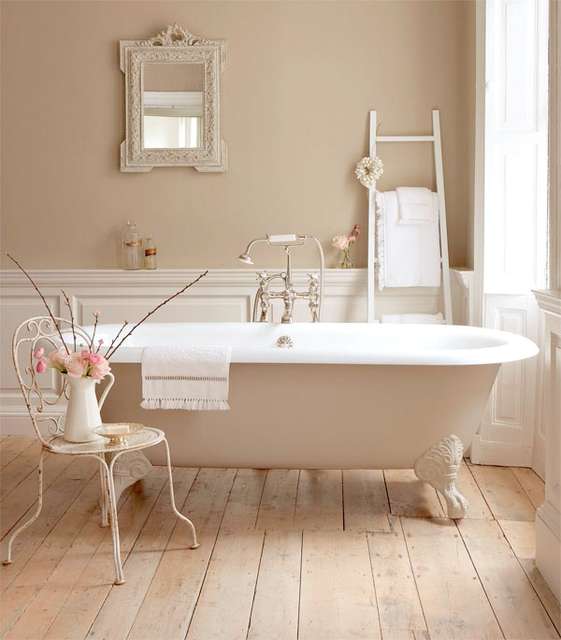 shabby-chic-bathroom-elegant-beige