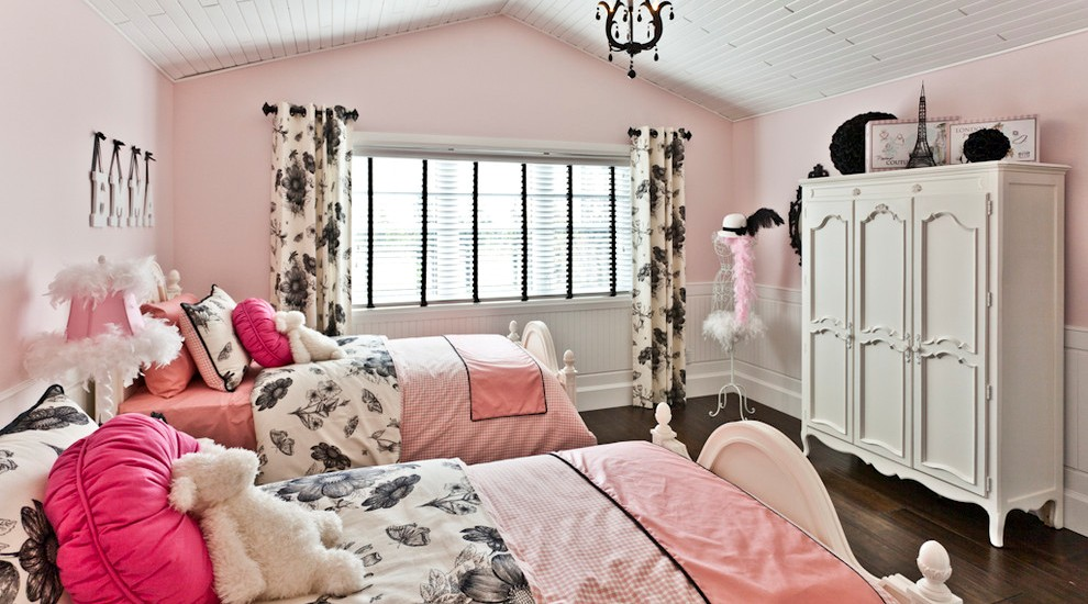 Glamorous-Kids-Contemporary-design-ideas-for-Black-And-Pink-Bedroom