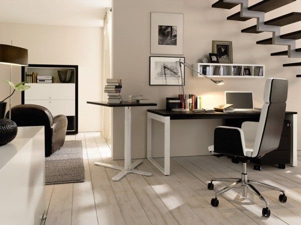 Home-office-idea-for-those-who-wish-to-use-space-under-the-staircase