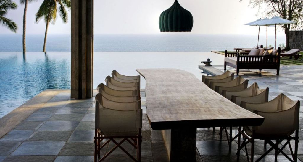 Romantic Outdoor Dining design with amazing sea view
