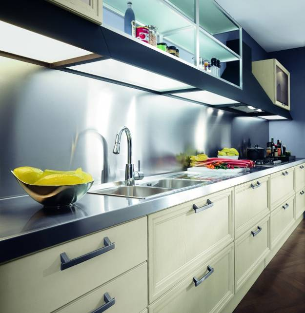 Stainless steel countertop ideas for contemporary kitchens