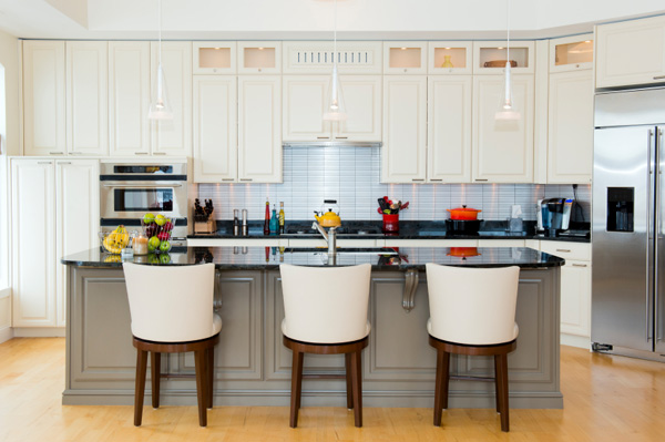 white-gray-kitchen-pops-of-color