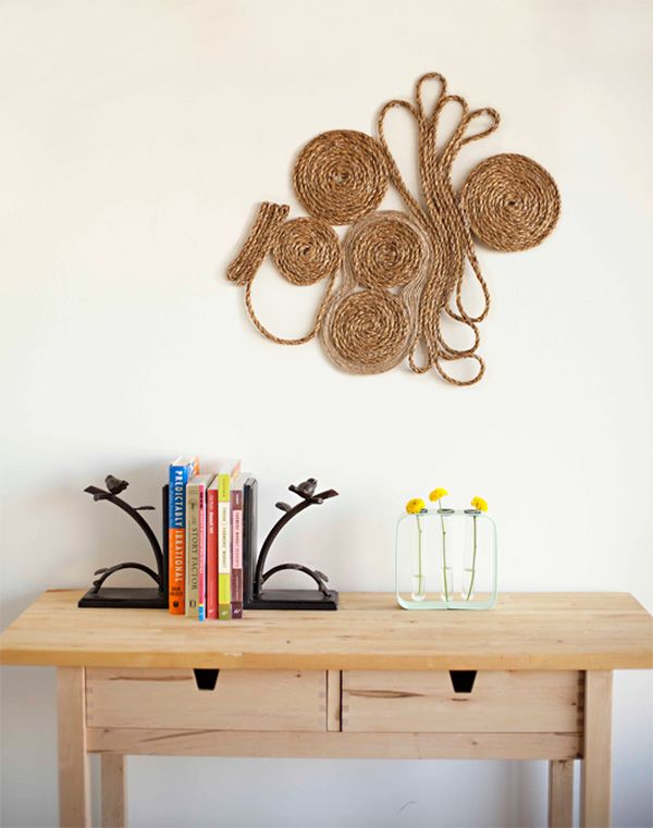DIY bulrap wall art
