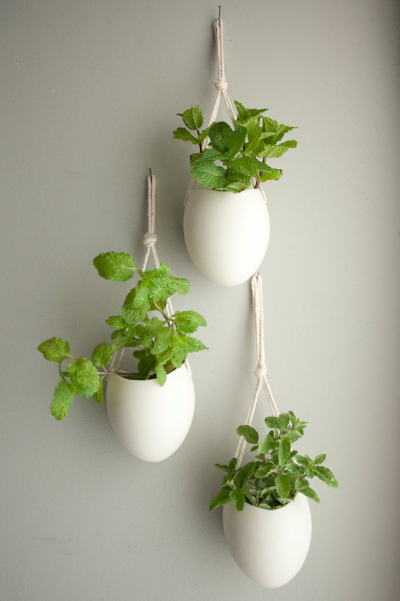 Hanging porcelain pods
