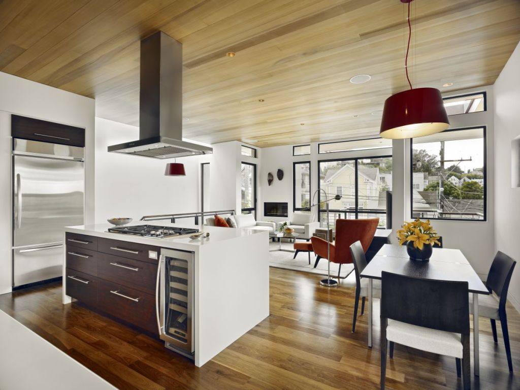 Great-Small-Kitchen-With-Dining-Area