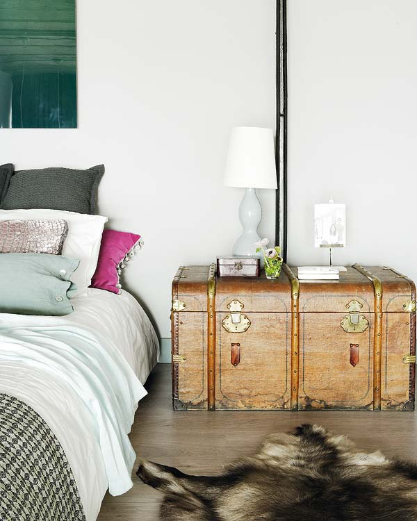 industrial-romance-eclectic-bedroom-interior