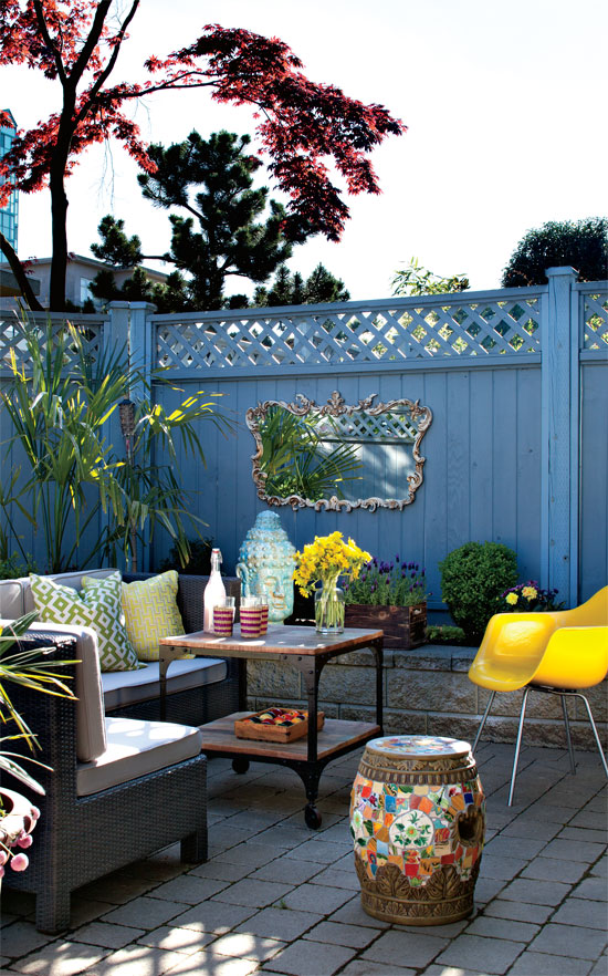 outdoor-living-cheerful-eclectic