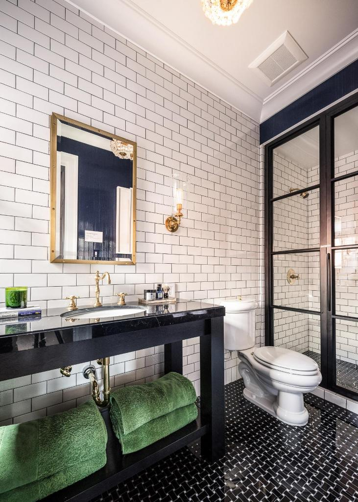 Industrial Style Bathroom Offers Masculine Appeal