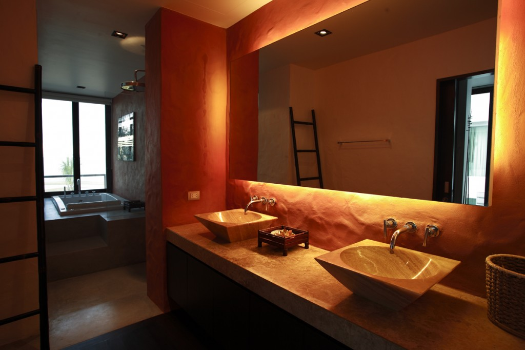 ModernTropical-Villa-BathRoom