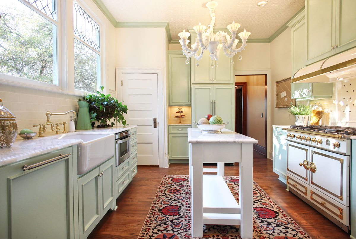 Nonconventional--Portland-Craftsman-Kitchen