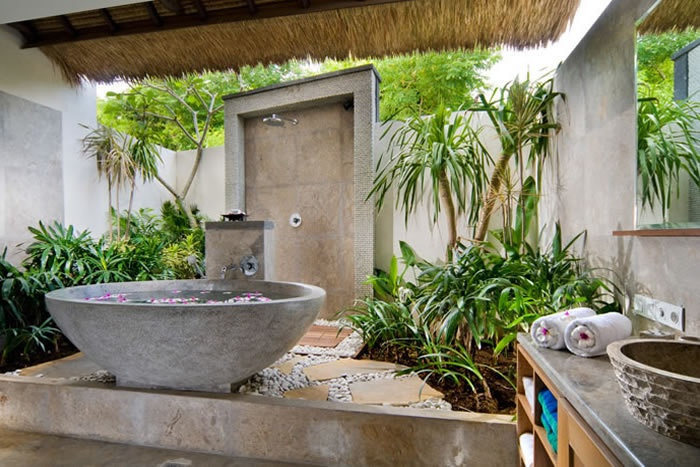 amazing-tropical-bathroom-decor-ideas