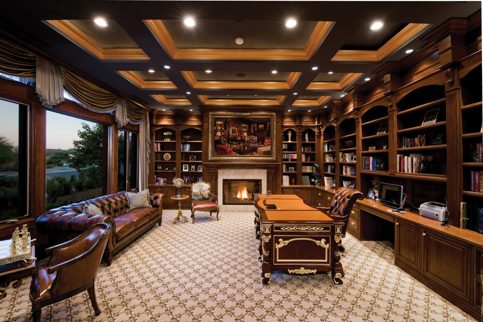 custom-cabinets-Traditional-Home-Office