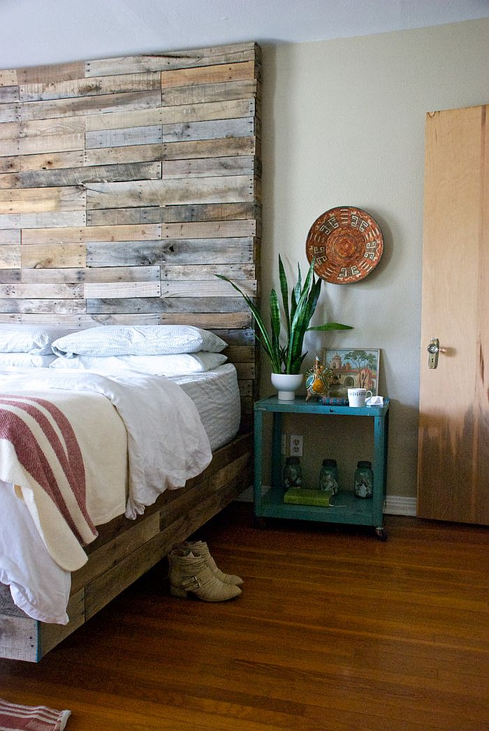 Rustic Headboard With Pallet Wood Bed