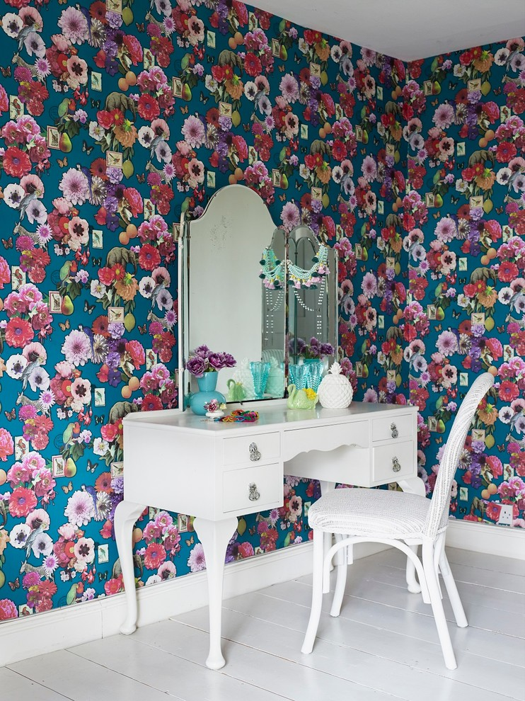 Contemporary Floral Bedroom Wallpaper