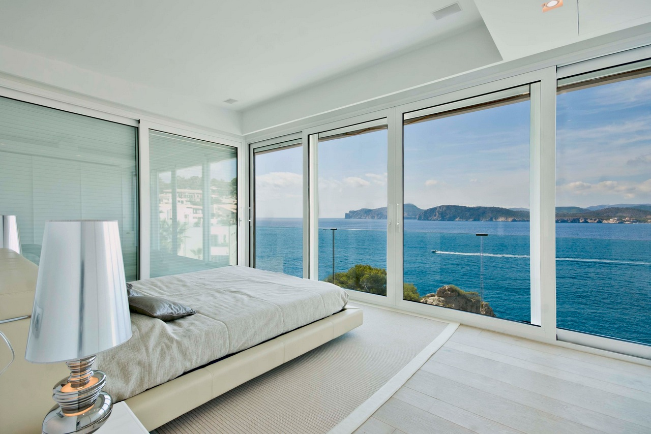 awesome-bedroom-with-a-view-2