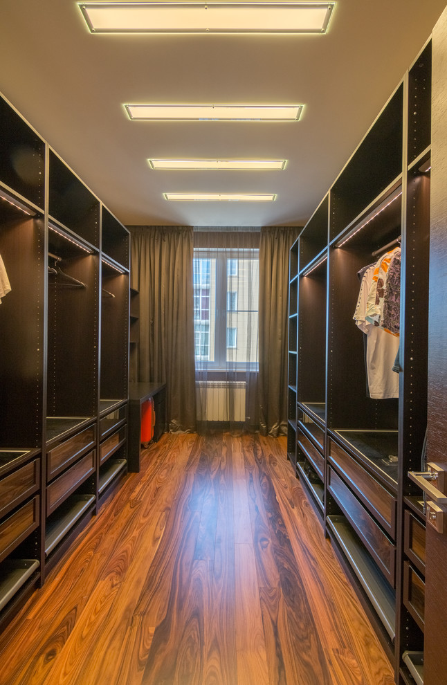 contemporary-closet-design