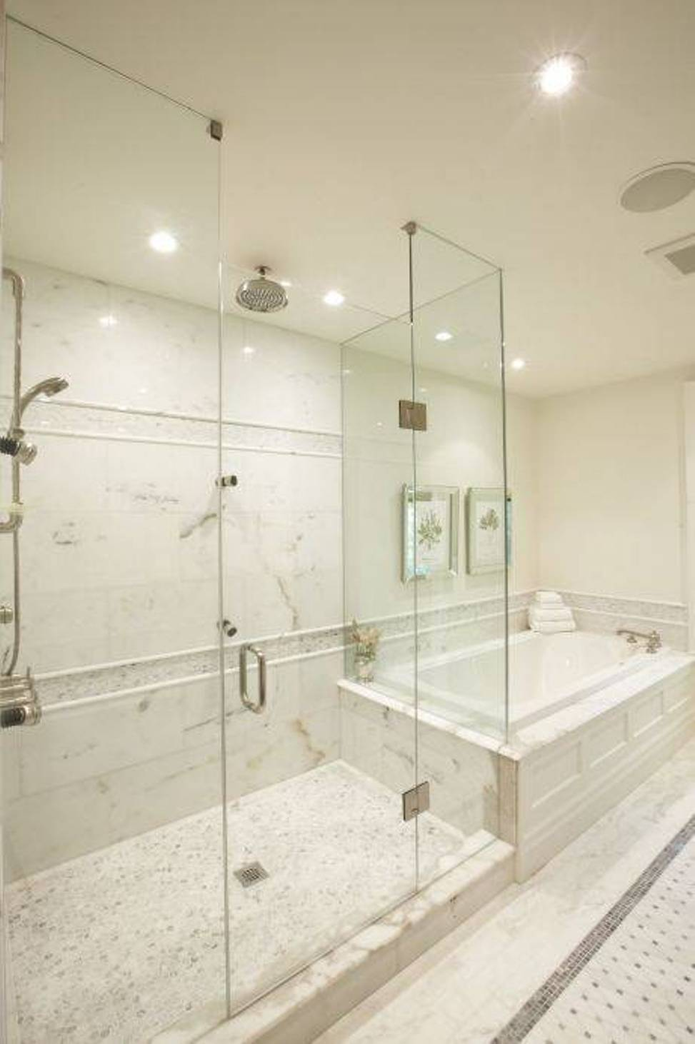 walk-in-shower-with-seat