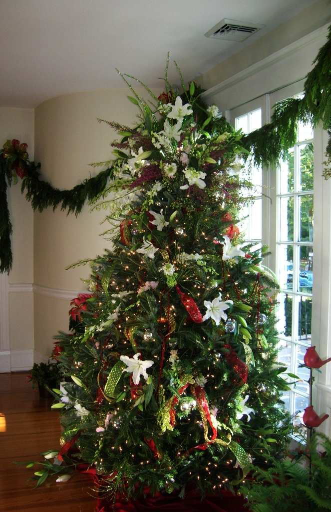 awesome-christmas-tree-decorating-ideas-15
