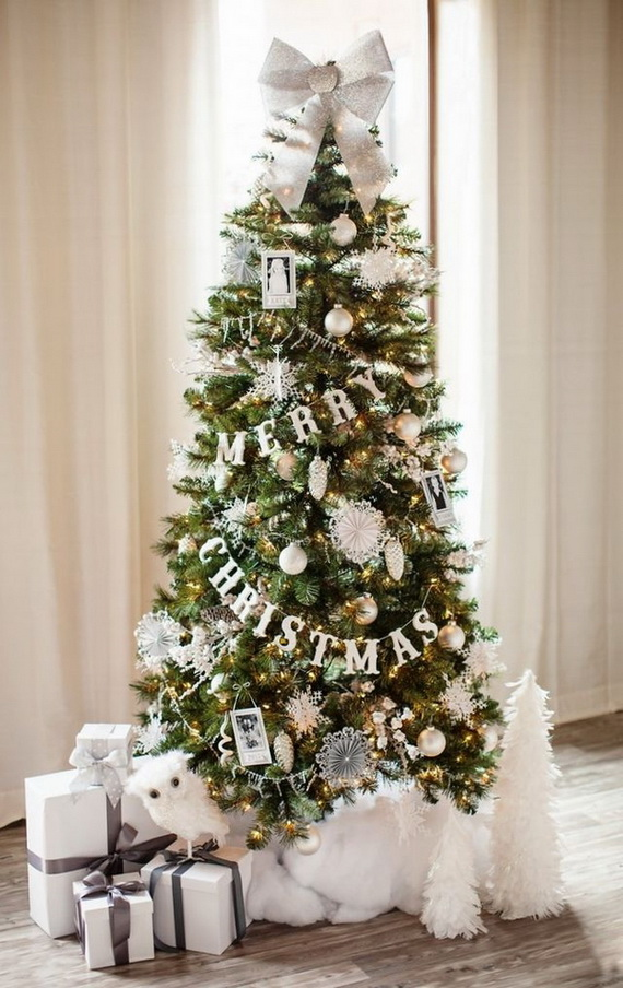 classy-led-light-with-garland-christmas-tree