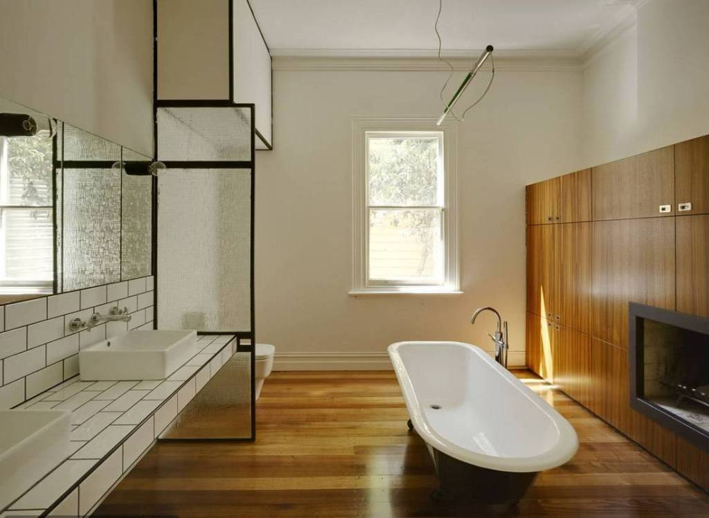 dark-brown-hardwood-flooring-bathroom-decoration