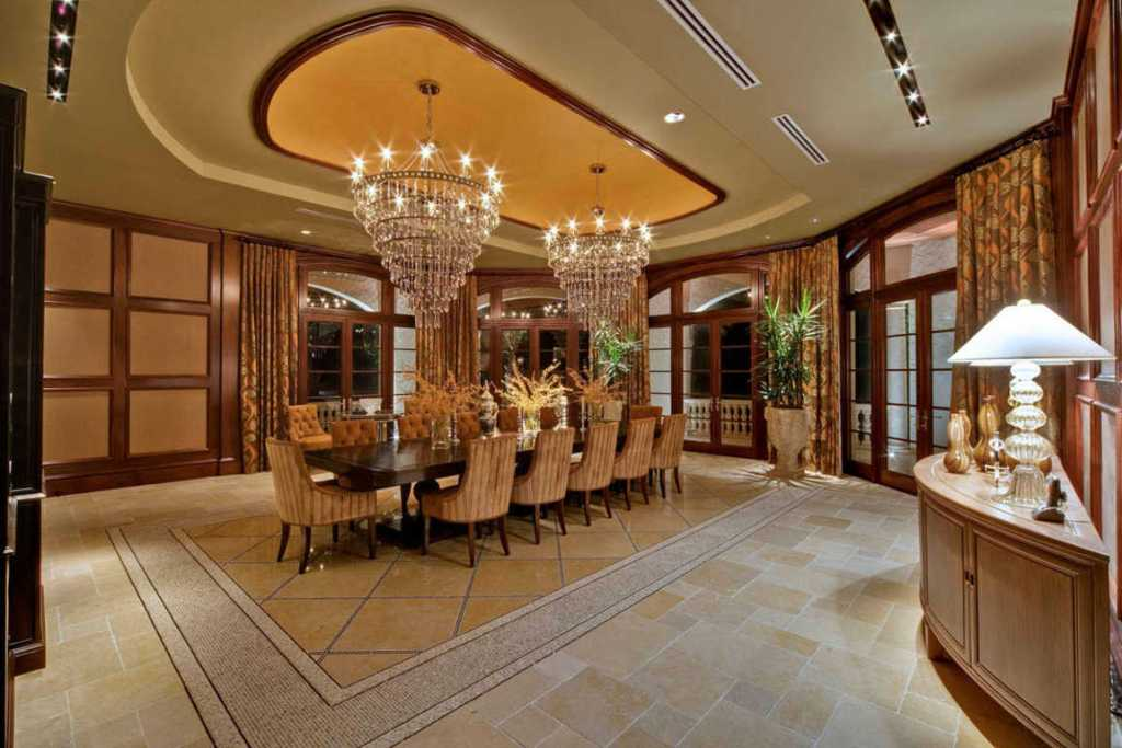 dark-luxury-dining-room