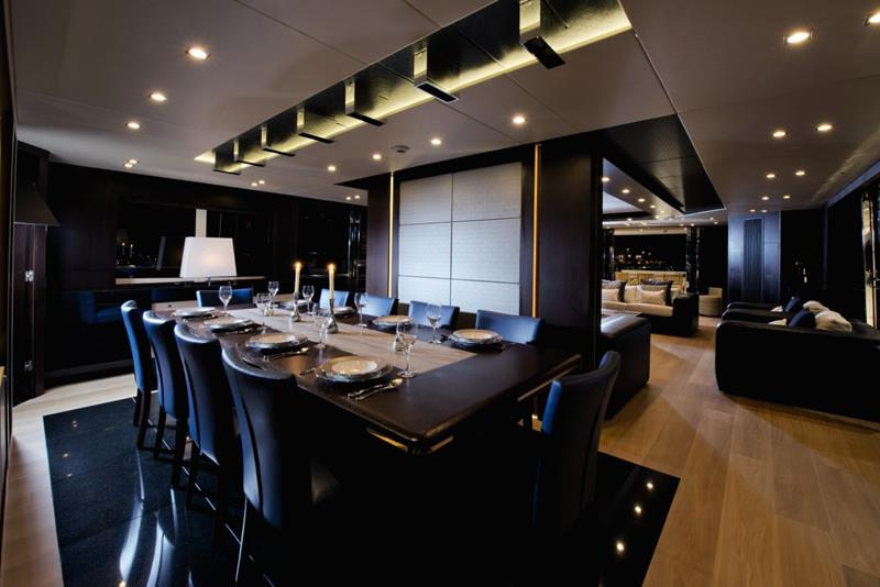 executive-black-luxurious-dining-room