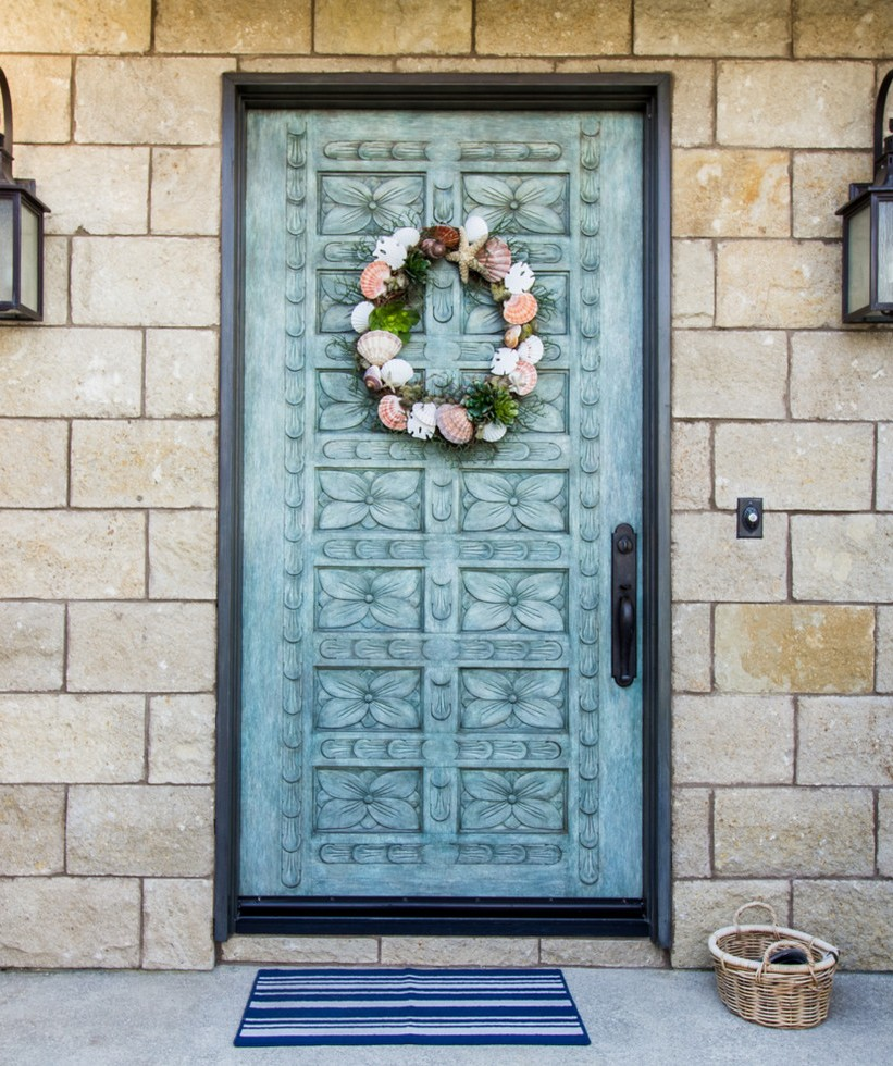 mediterranean-front-door-christmas-wreath