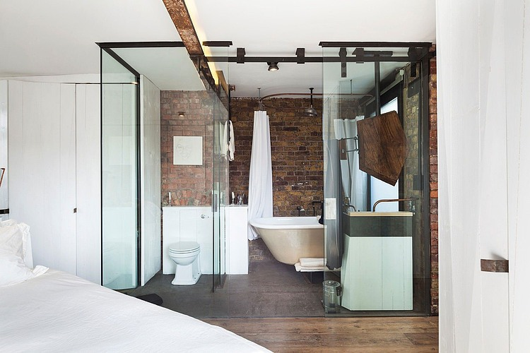 modern-glass-cubicle-shaped-bathroom-with-walk-in-shower