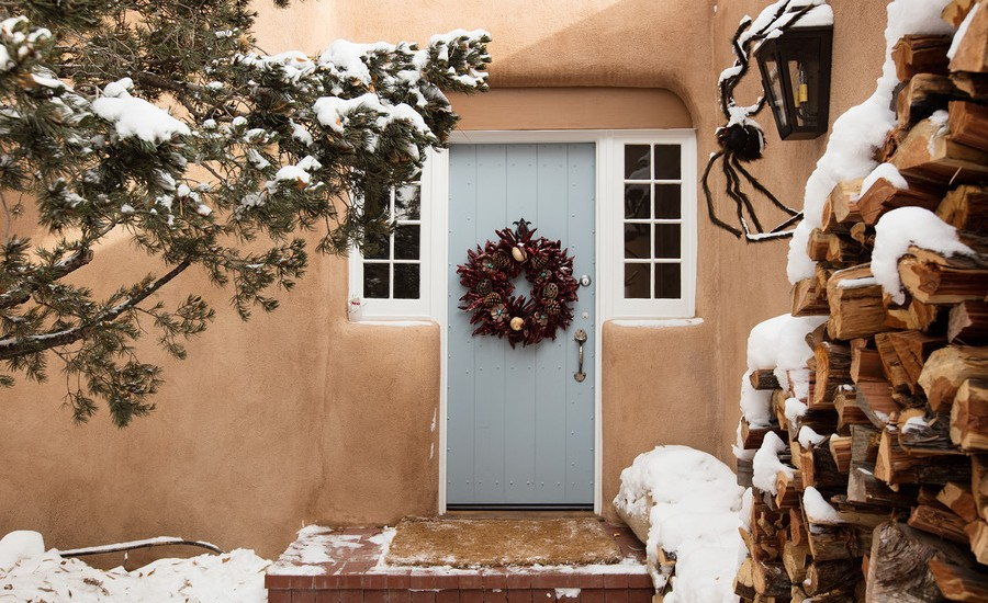 southwestern-front-door-christmas-wreath