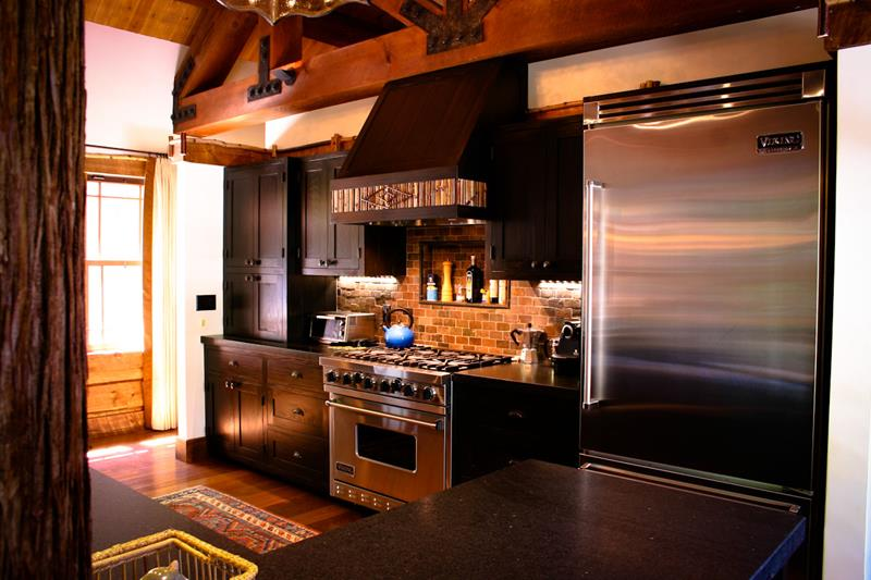 dark-rustic-kitchen-design