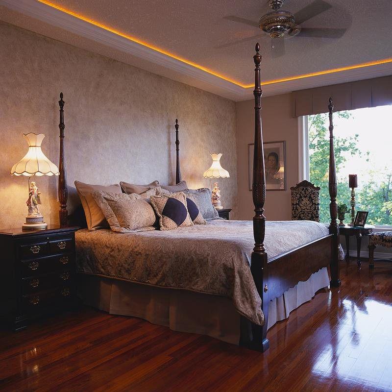dark-shiny-master-bedrooms-with-hardwood-floors