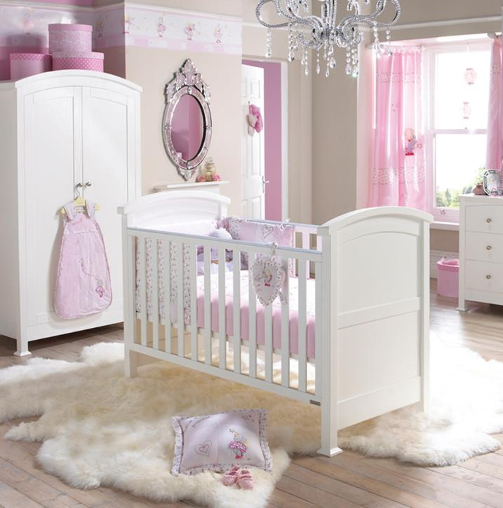 beautiful-nursery-with-mirror
